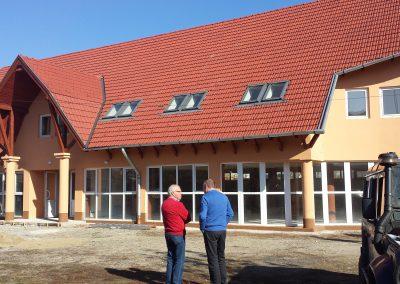 2013 - Dit nieuwe gebouw krijgt de bestemming sportschool FITT, met fysiotherapie, een diëtiste en een kapper.